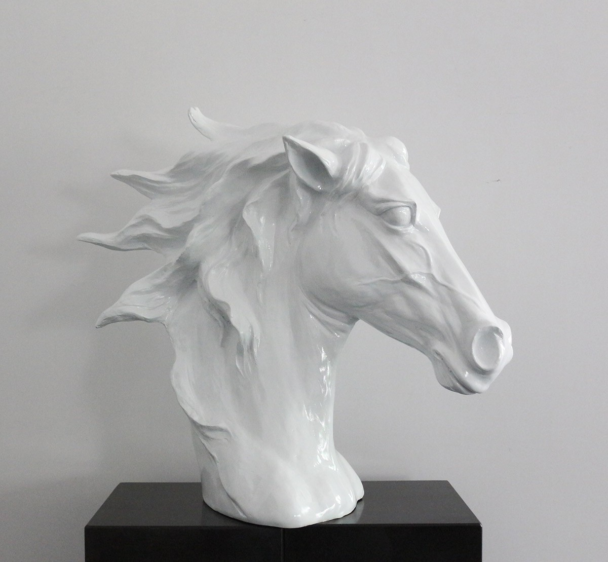 Modrest Sz0002 Modern White Horse Head Sculpture