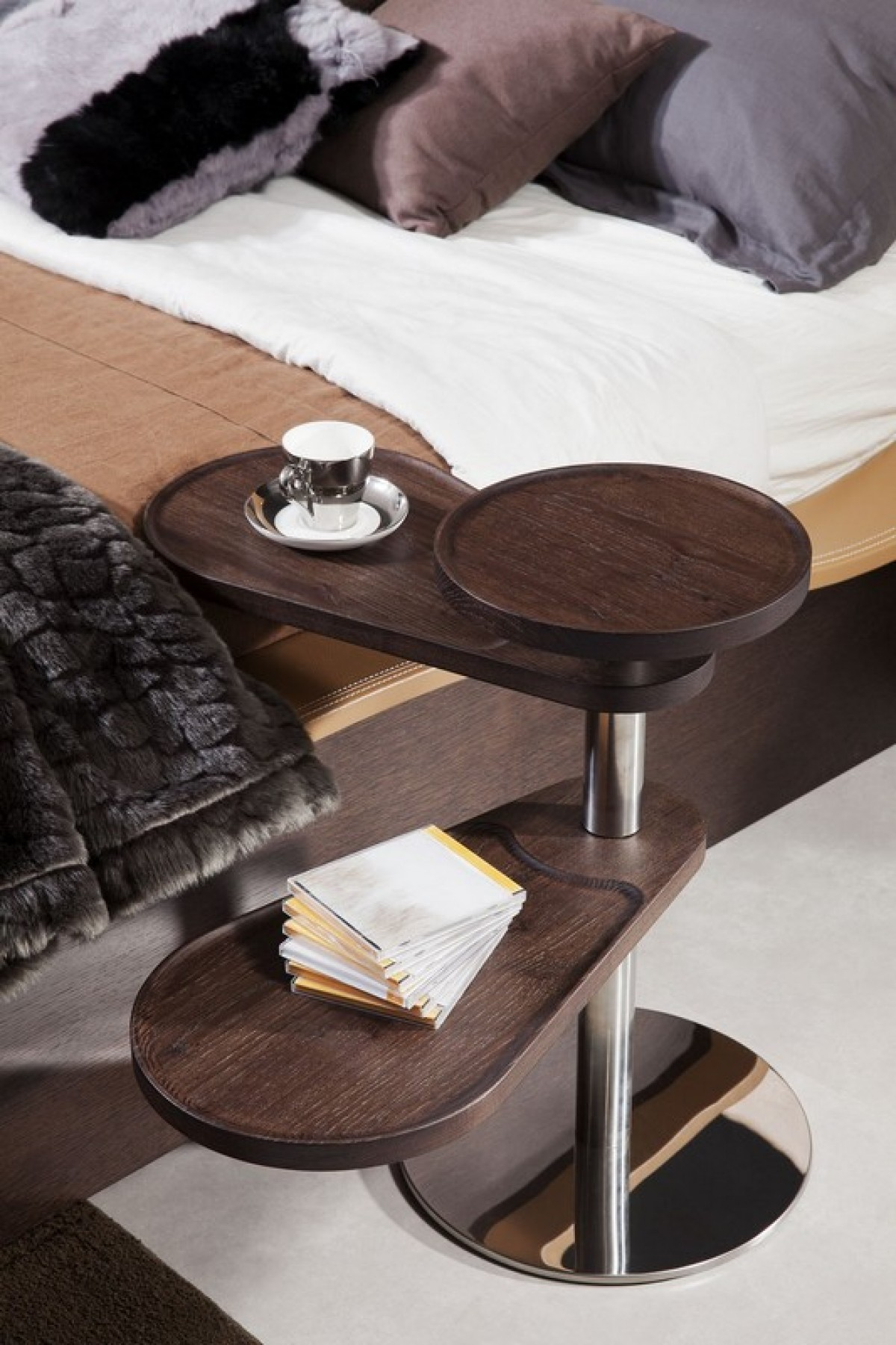 Modrest Abseil Modern Brown Oak End Table End Tables
