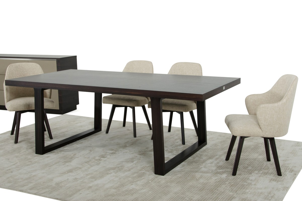 A x caligari modern oak dining table for Modern oak dining table