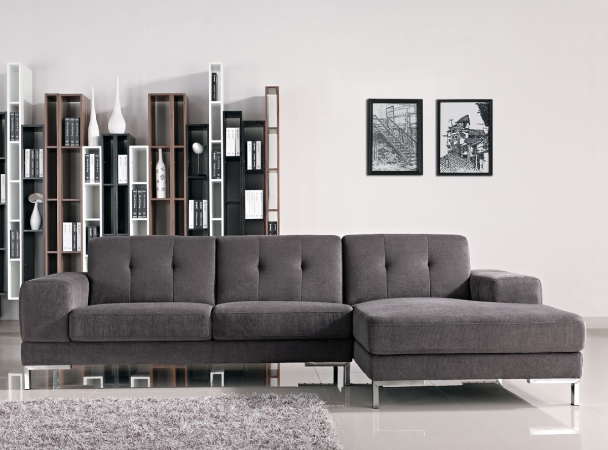 Divani Casa Forli Modern Grey Fabric Sectional Sofa w/ Right Facing Chaise