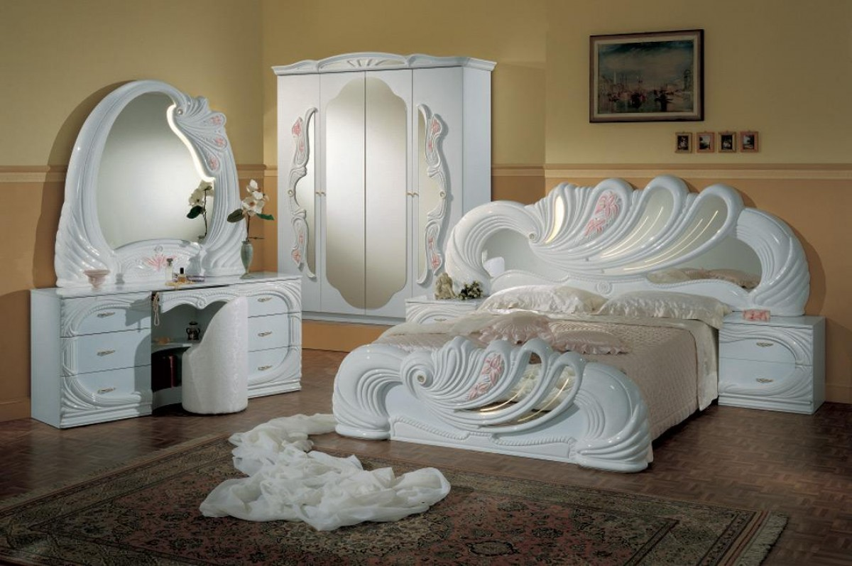 Modrest Vanity White Italian Classic Bedroom Set