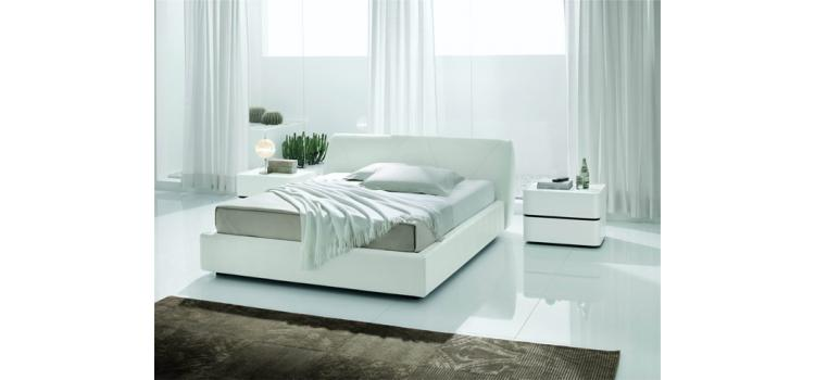 Strip White Crocodile Leather Bed