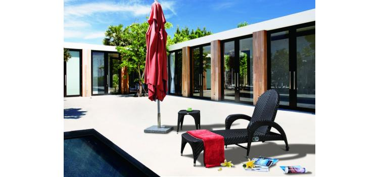 S-2063 Chaise Lounge With Cushion and Wheel