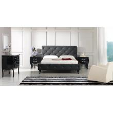 Modrest Monte Carlo - Black Leatherette Modern Bed with Buttons
