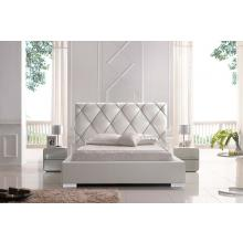 Modrest Zeus - Modern White Leatherette Platform Bed with Lift Storage