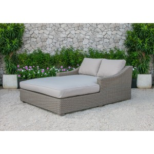 Renava Pismo Outdoor Wicker Sunbed