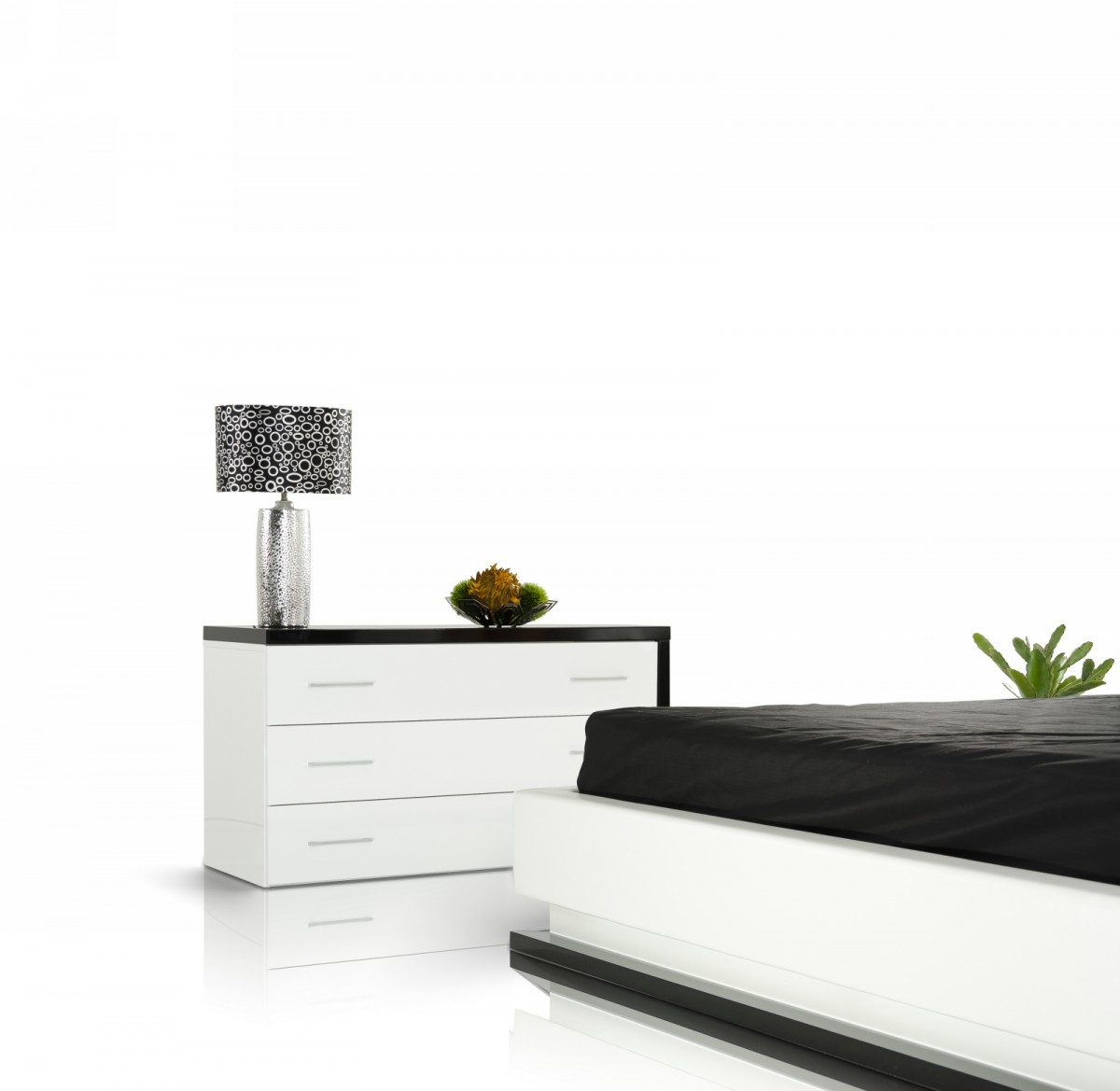 Modrest infinity contemporary white black bedroom set modern bedroom bedroom - Why white contemporary bedroom furniture ...